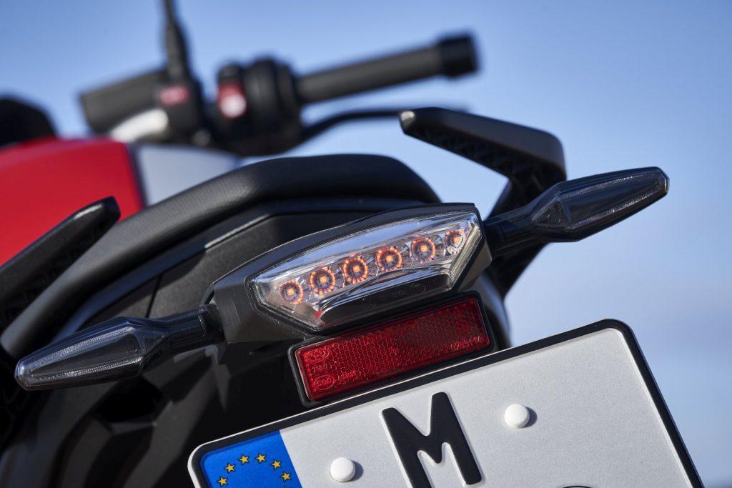 Dynamiczne światło stopu system bezpieczeństwa BMW Motorrad