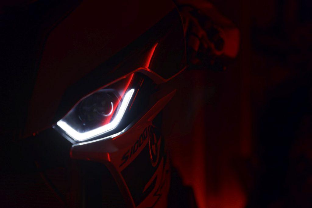 DRL w BMW S 1000 RR