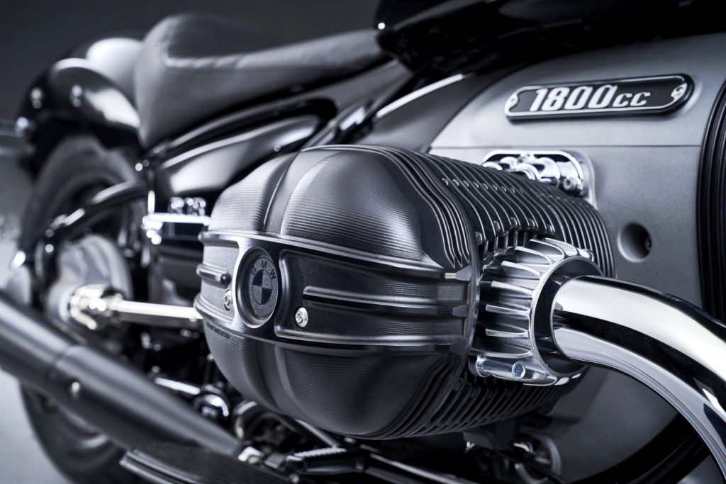 R18 silnik