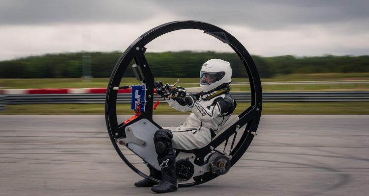 najszybszy-monowheel-monocykl-elektryczn