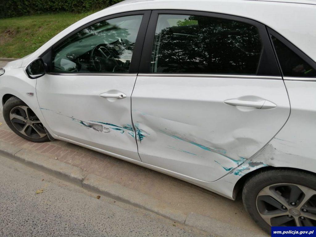 Hyundai uderzony przez Poloneza 100-latka